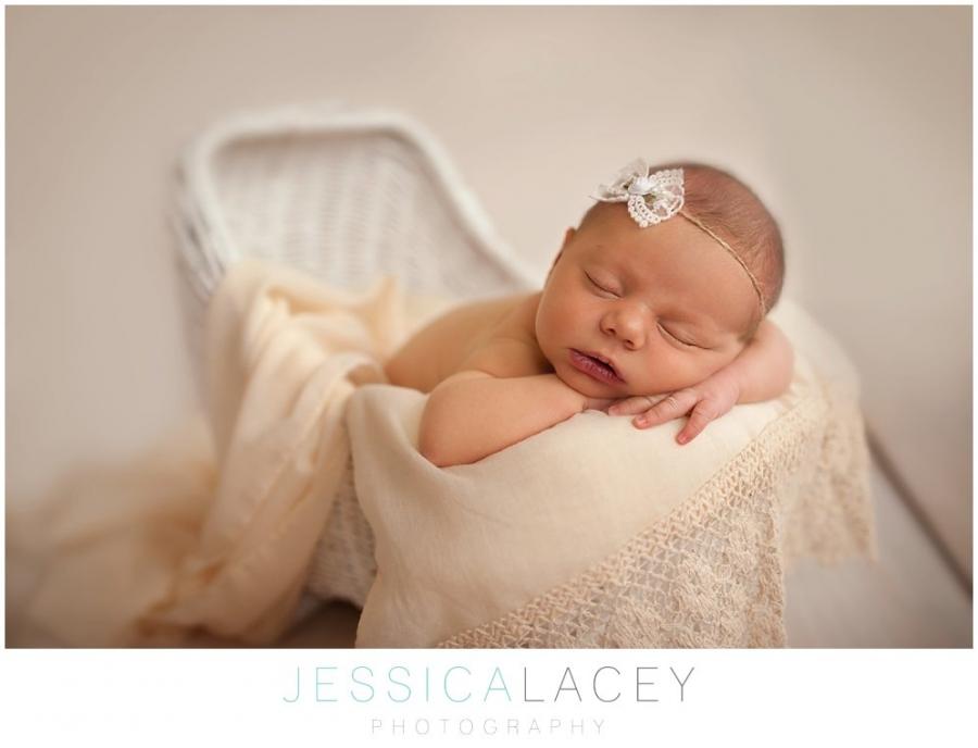 Charlotte Newborn Photos-18_WEB.jpg