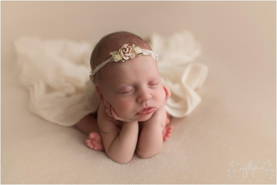 Allie Newborn Images (30 of 65)_WEB.jpg